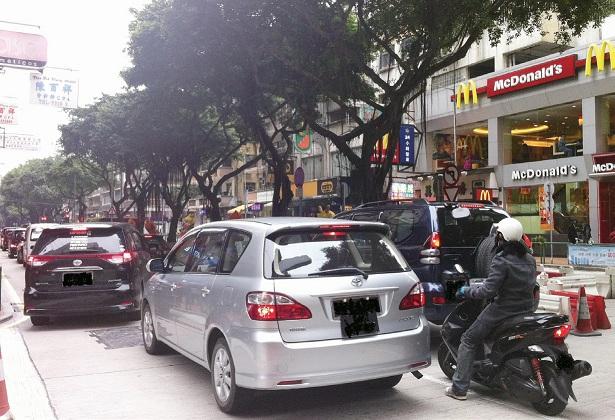 环保局拟订向新汽车尾气排放定标准 | 国际连线杂志